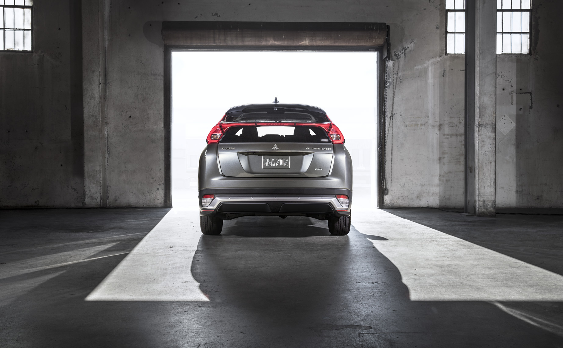 ECLIPSE_CROSS_LE_Rear
