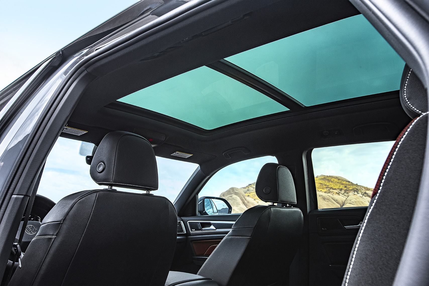 VW_AtlasCrossSport_sunroof